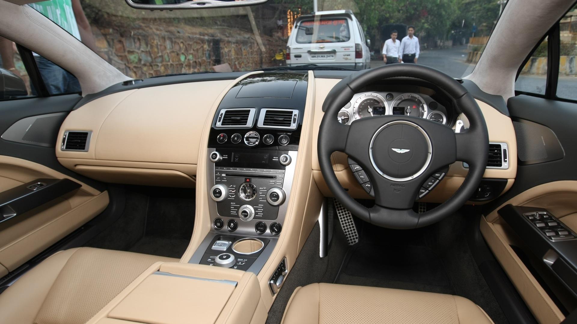 Aston-Martin-Rapide-2013-STD-Interior