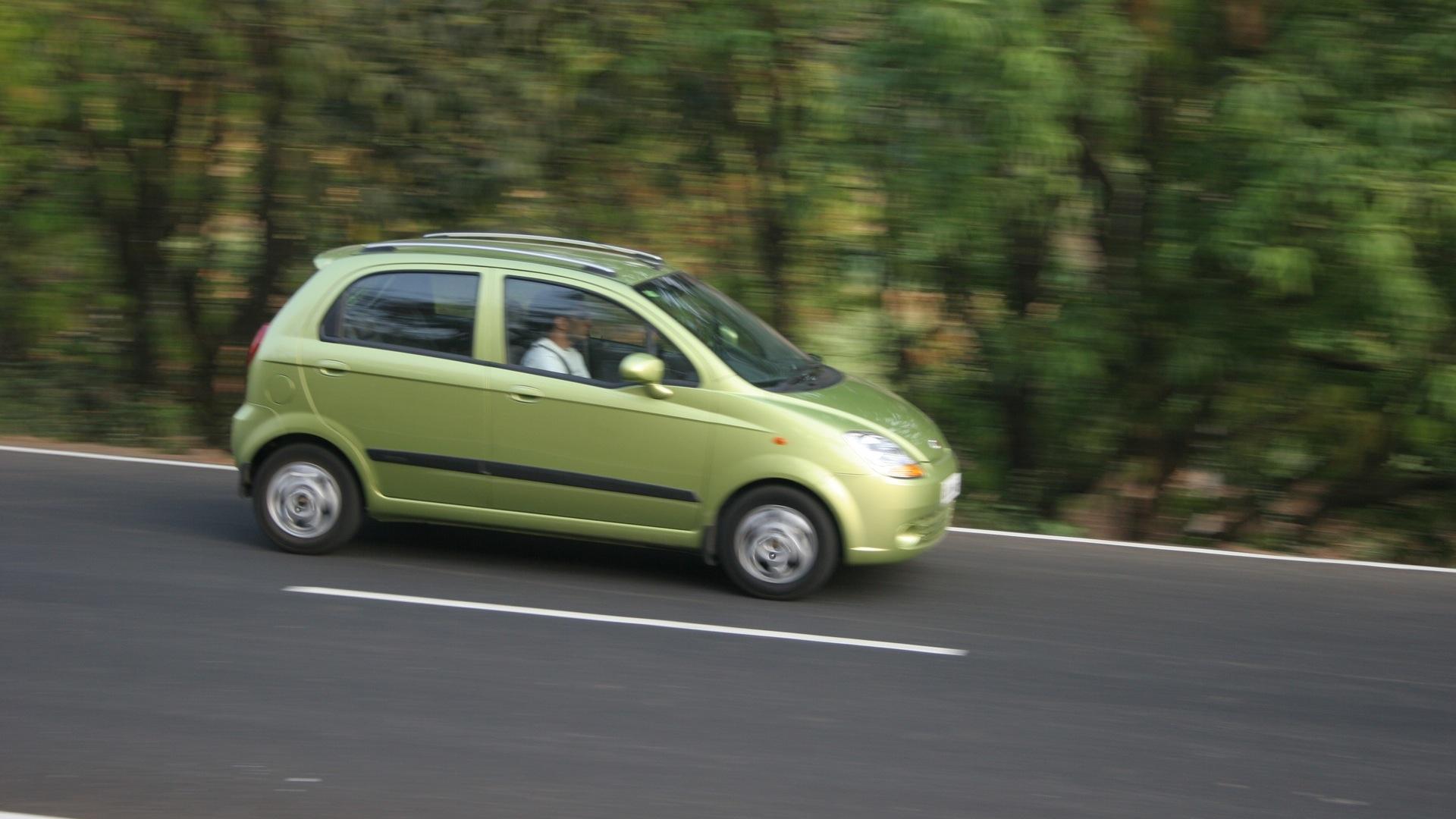 Chevrolet-Spark-2013-Base-Exterior