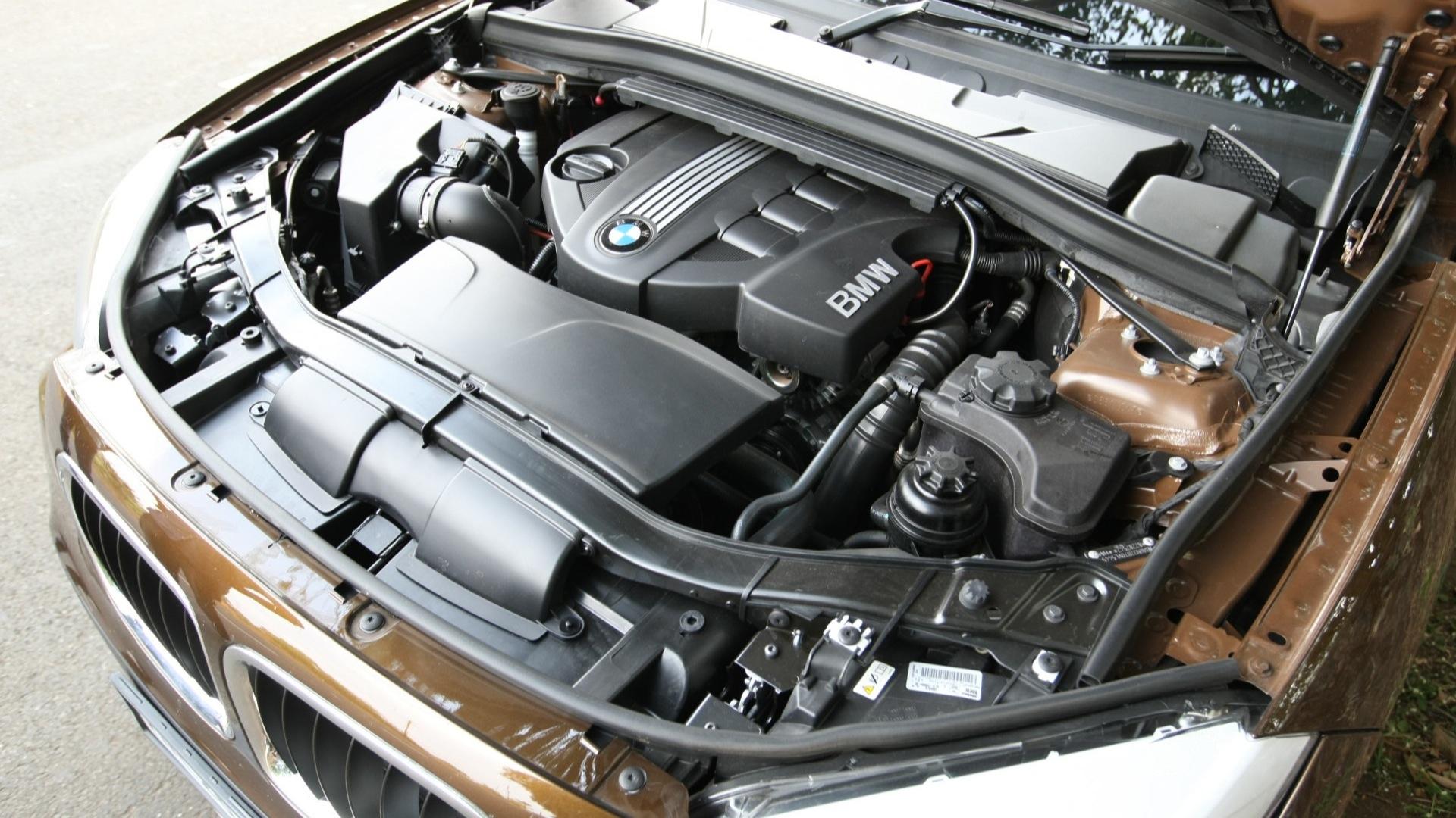 BMW-X1-2013-sDrive-1-8i-Interior