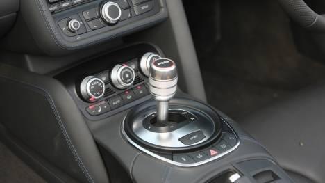 Audi-R8-2012-4-2-FSI-Quattro-Interior