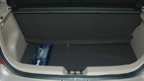 Hyundai-i10-2013-1-1-iRDE2-D-Lite-Interior