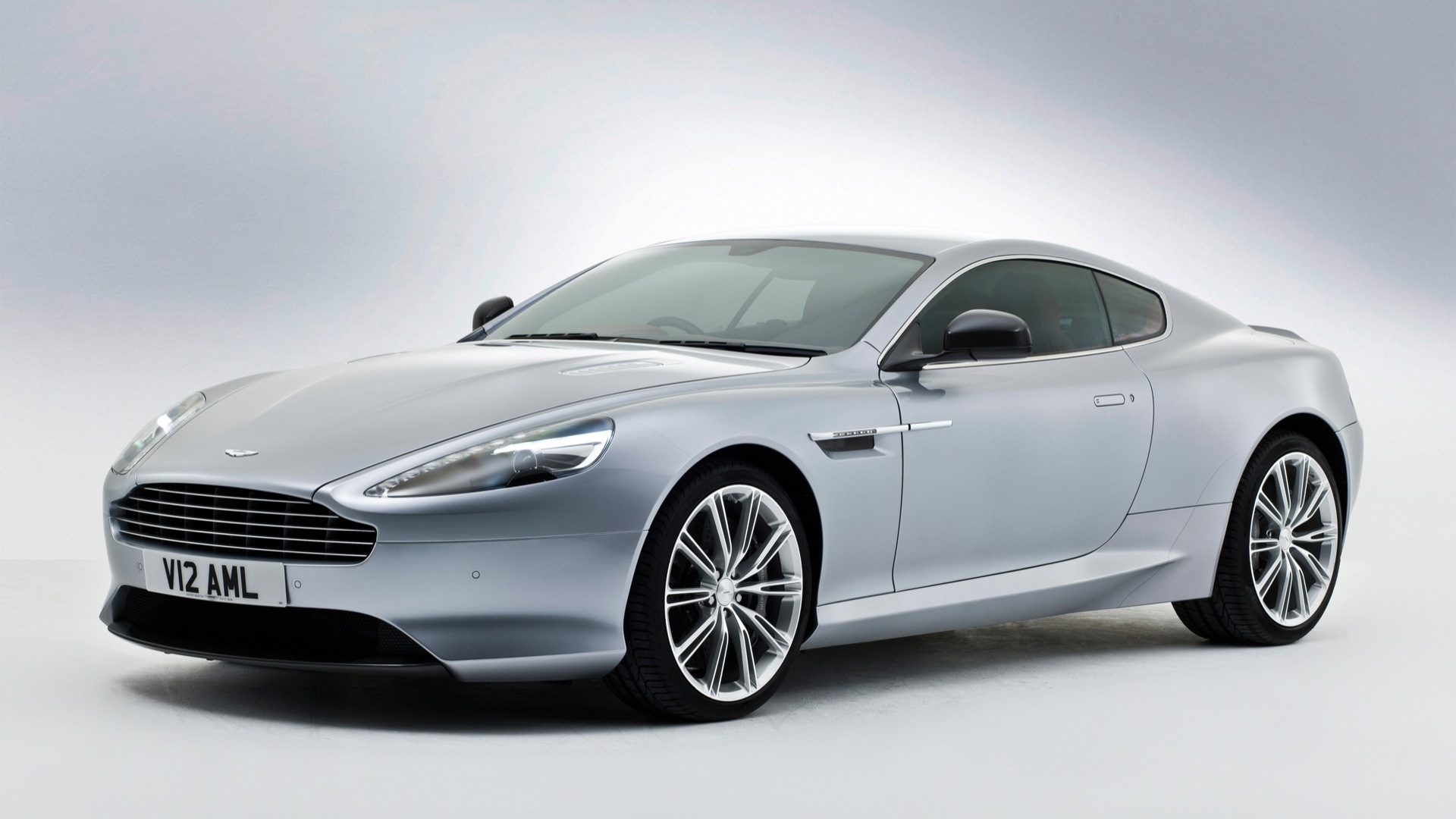 Aston Martin DB9 2013 STD