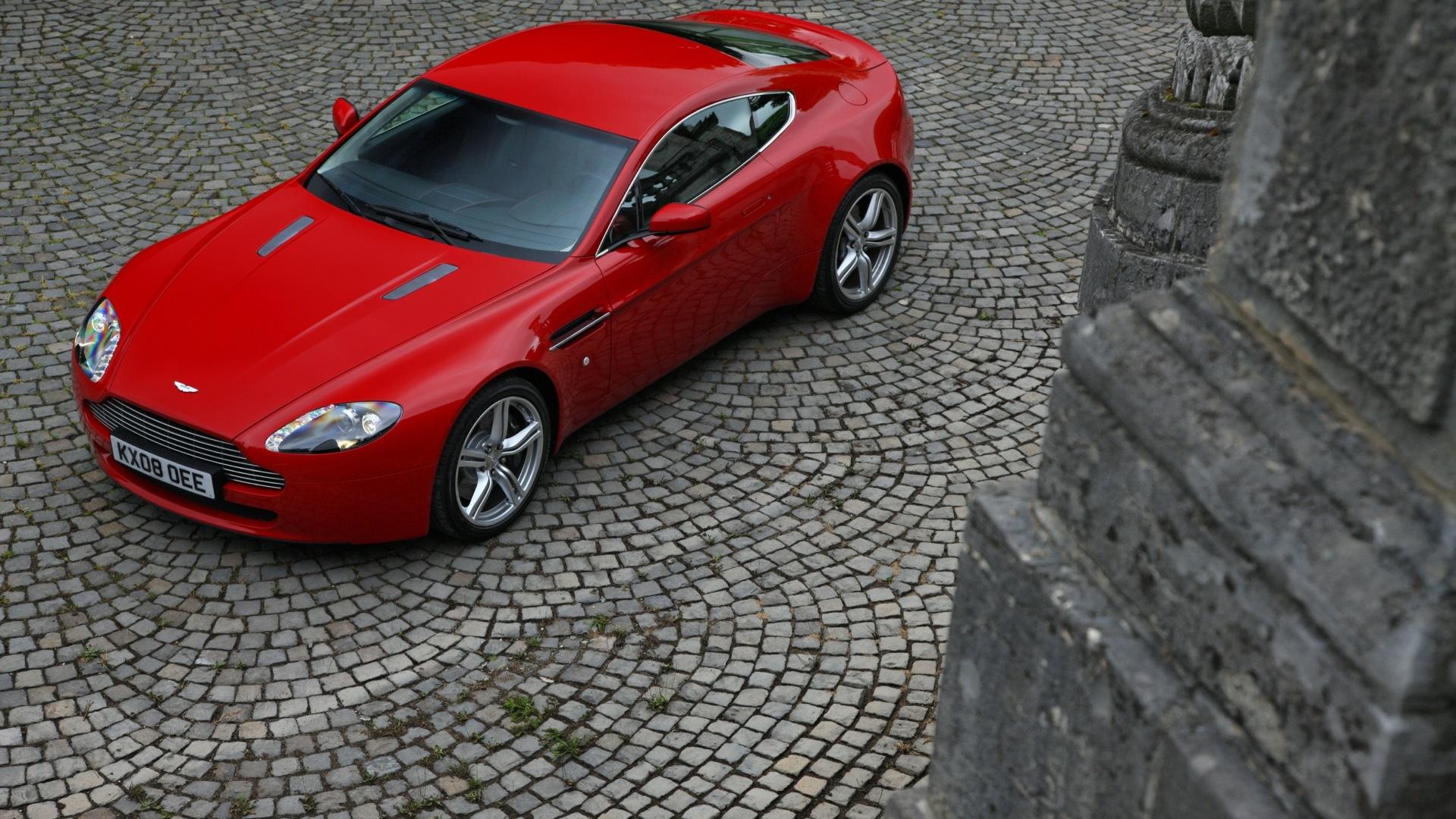 Aston Martin Vantage S 2013 STD