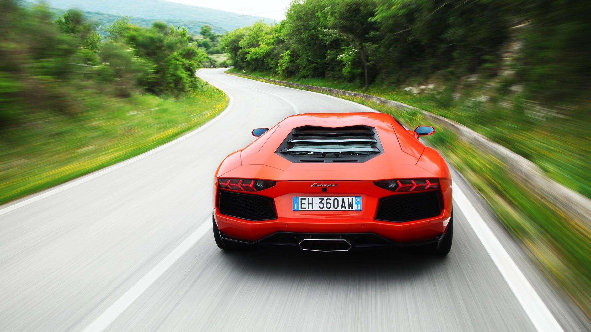 Lamborghini  Aventador-2013-LP-700-4 Exterior