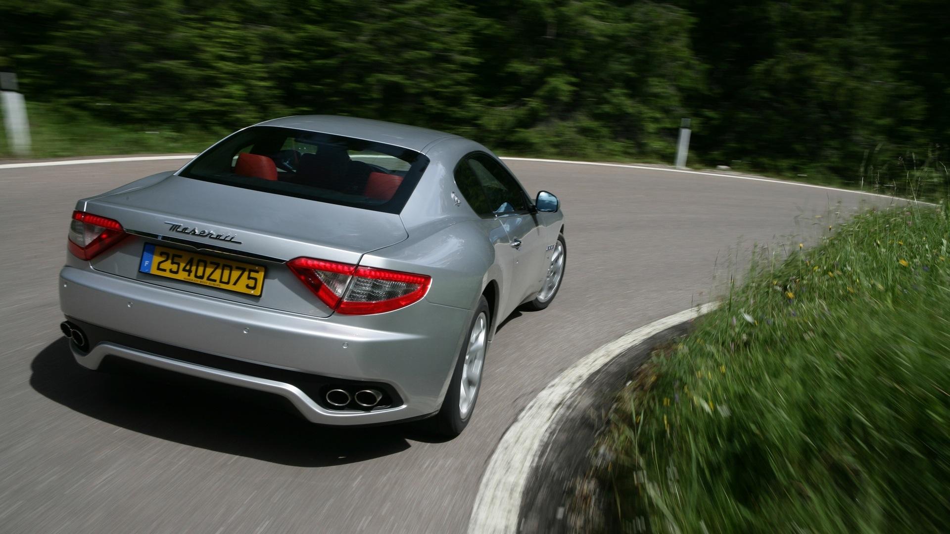 Maserati-granturismo-2013-STD Exterior