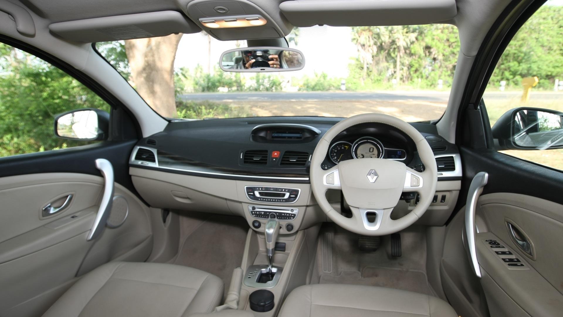 Renault Fluence 2013 Diesel Car Photos Overdrive