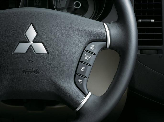 Mitsubishi-Montero-2013-Interior