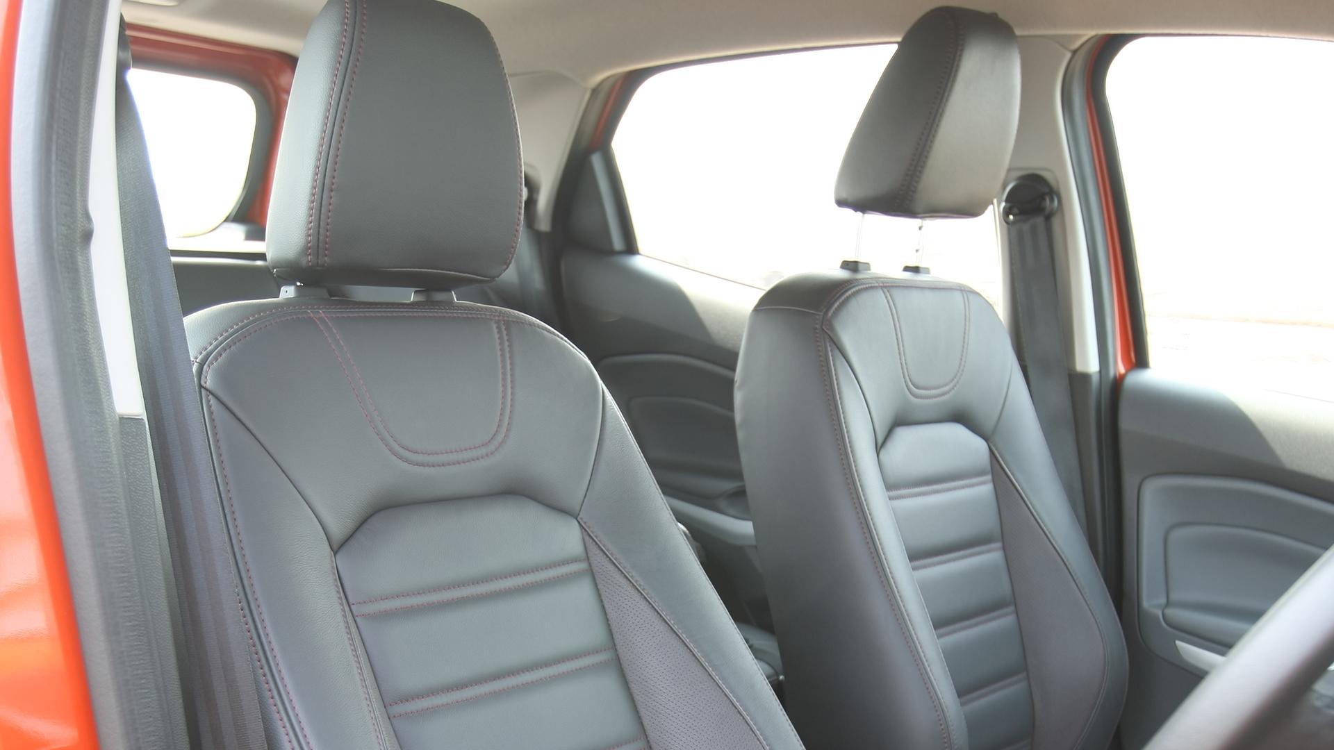 Ford-Ecosport-2013-Petrol-Interior