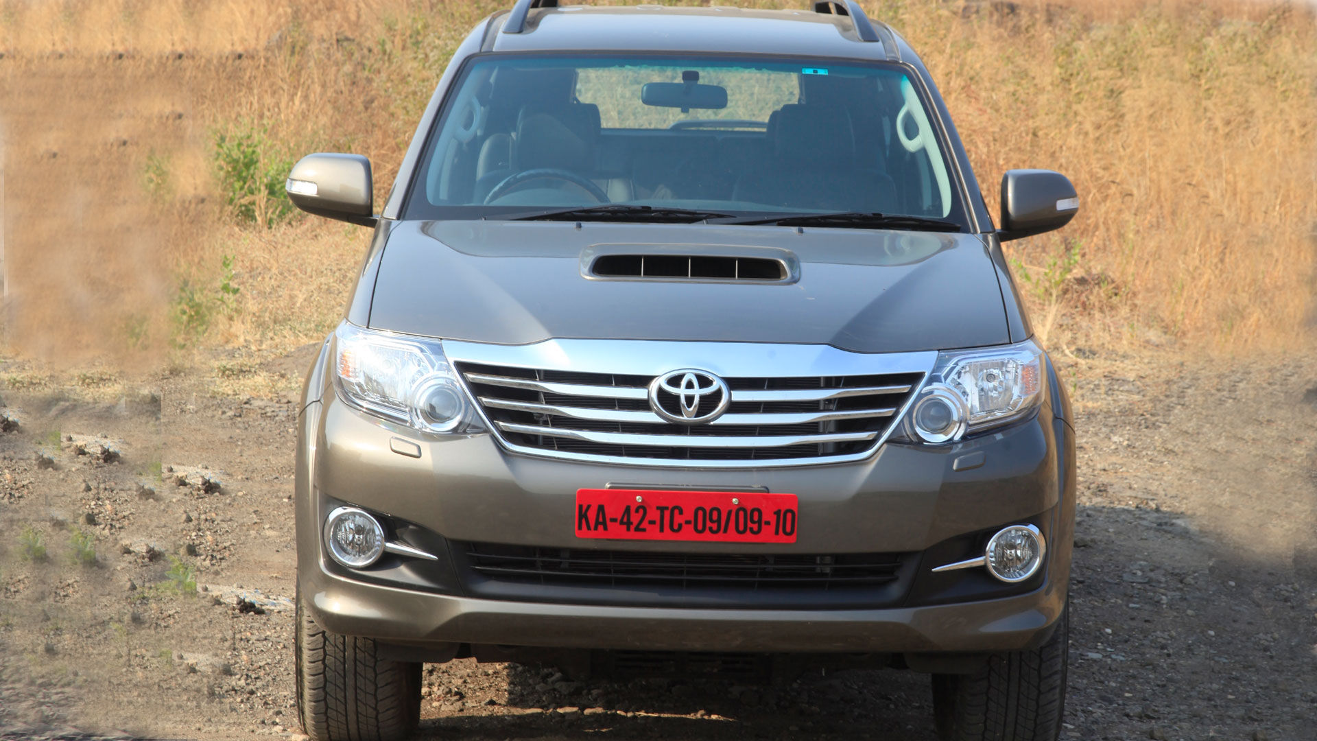 Toyota Fortuner 2015 4x2 AT