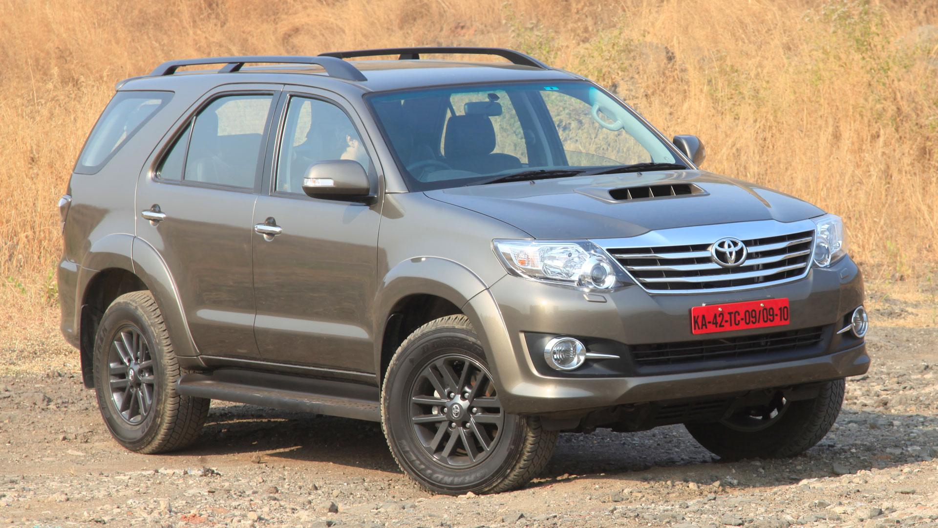 Toyota-fortuner-2015 Exterior Car Photos - Overdrive