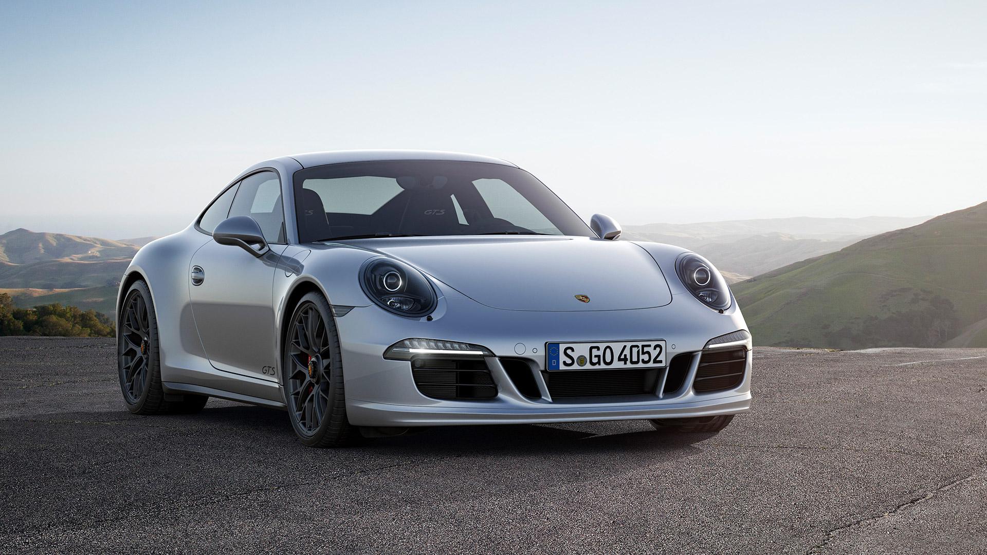 Porsche 911 2015 Carrera 4 GTS pare