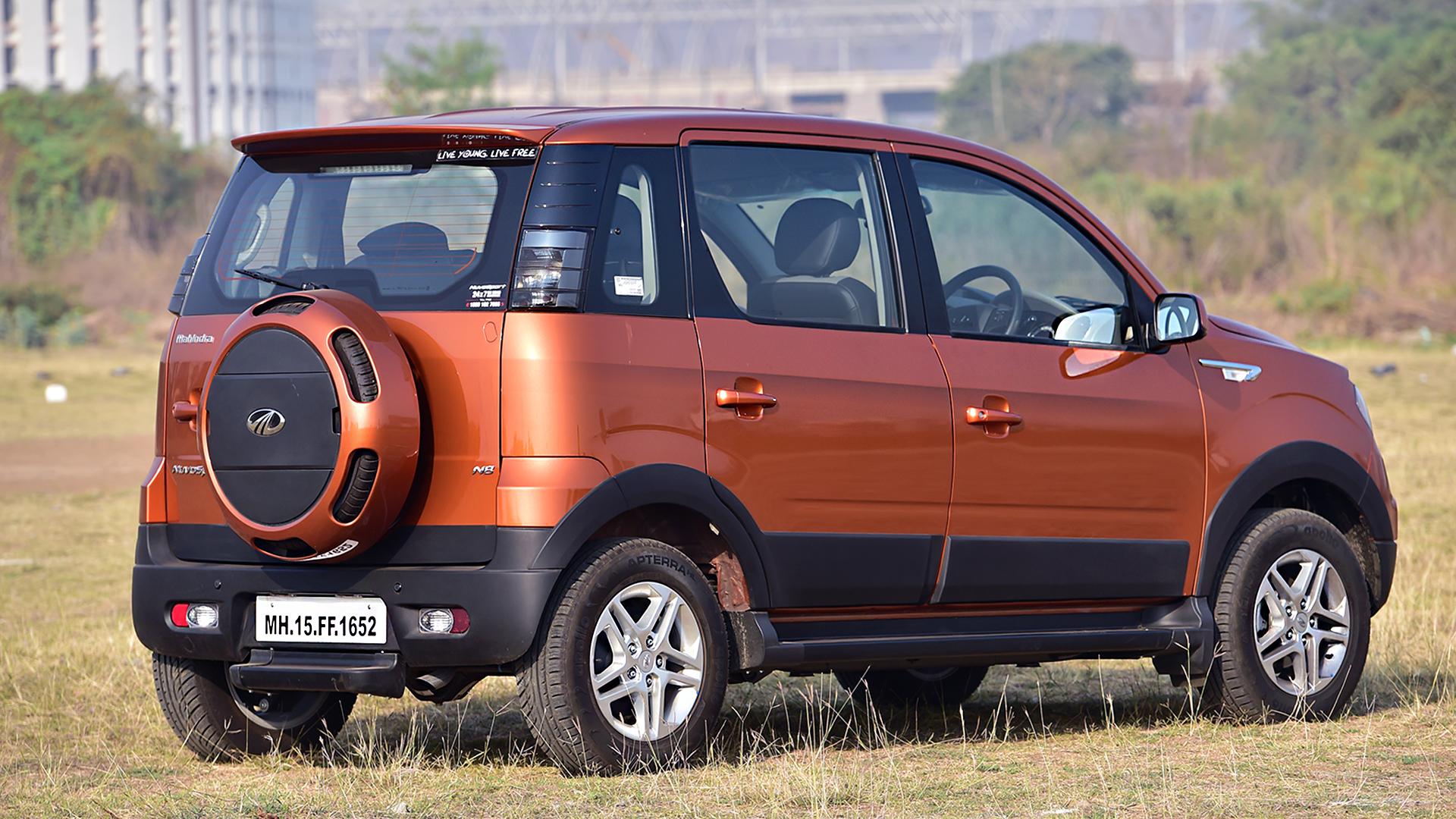 Mahindra Nuvosport 2016 N8 Compare