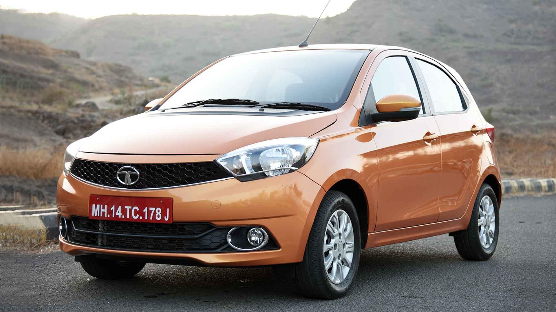Tata Tiago 2016 Revotron XZ Compare