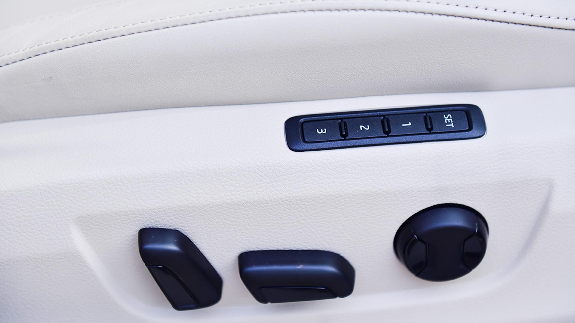 Skoda Superb 2016 2.0 TDI (AT) Style Interior