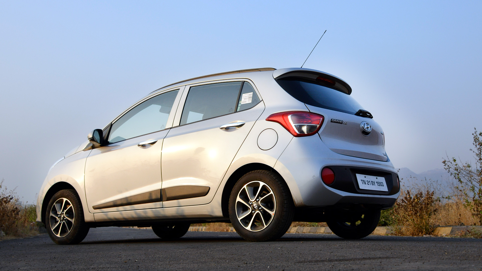 Hyundai Grand I10 2017 Price Mileage Reviews Specification