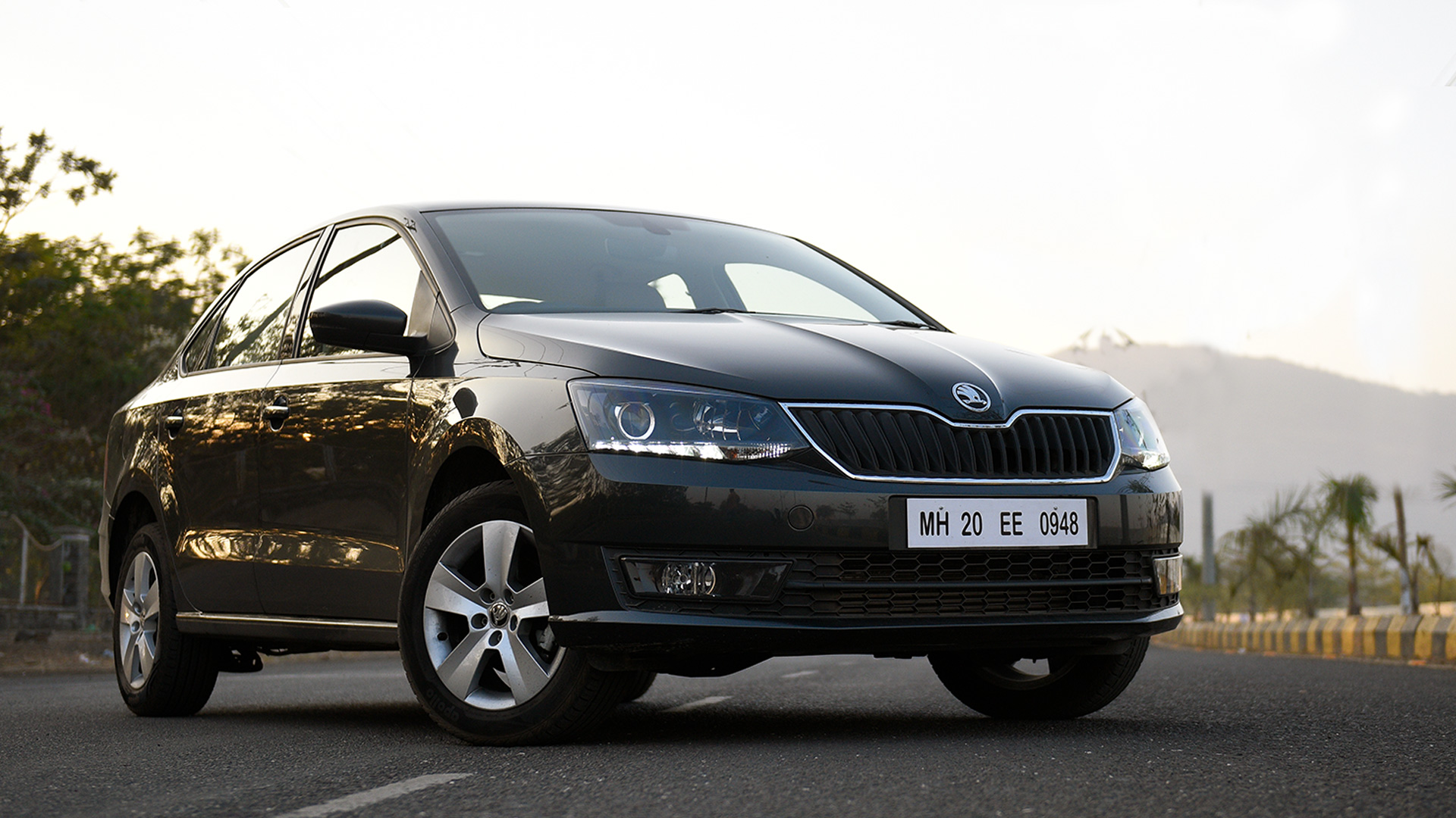 skoda rapid 2016 1 5 tdi cr a ambition price mileage. Black Bedroom Furniture Sets. Home Design Ideas