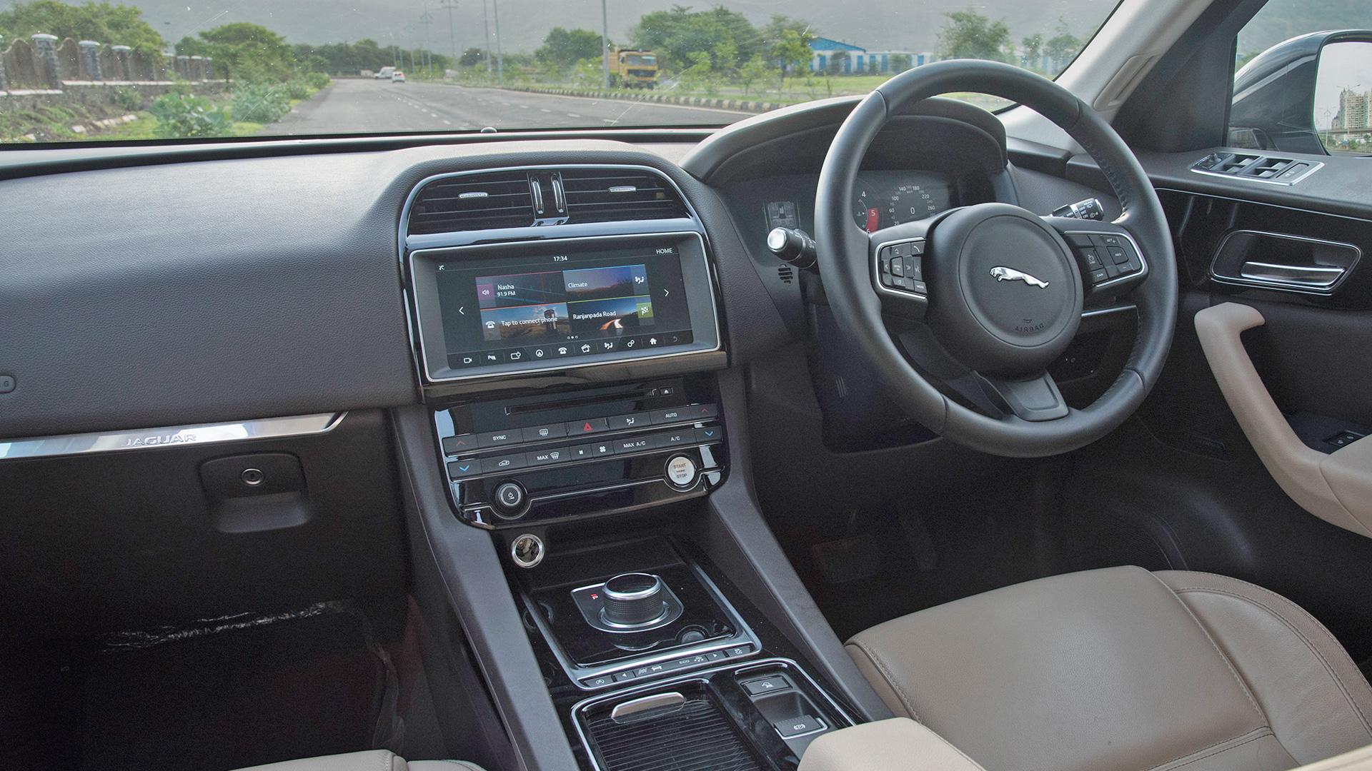 Jaguar F-pace 2016 Prestige Interior Car Photos - Overdrive