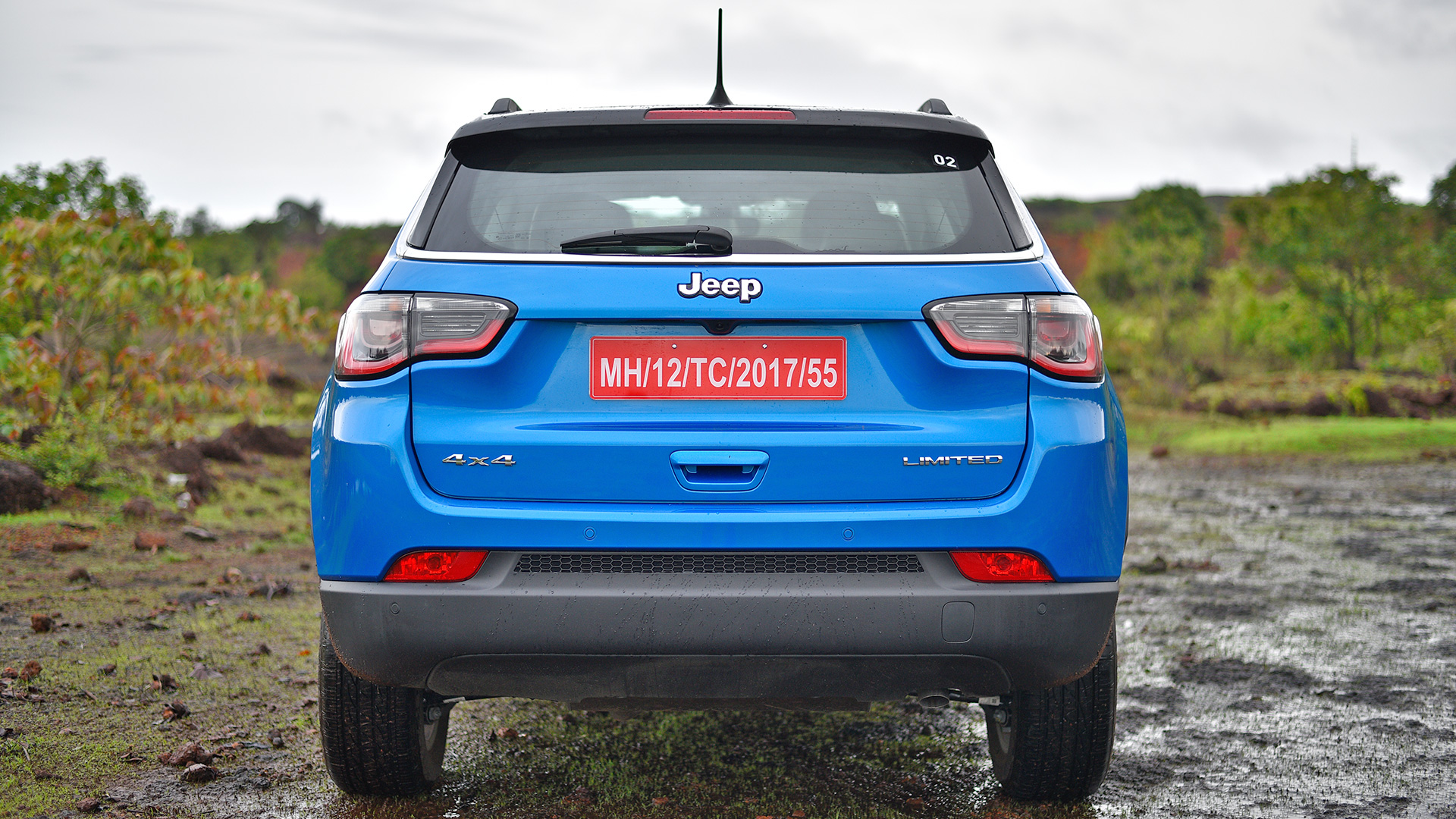 Jeep Compass 2017 Limited Diesel 4x4 Compare