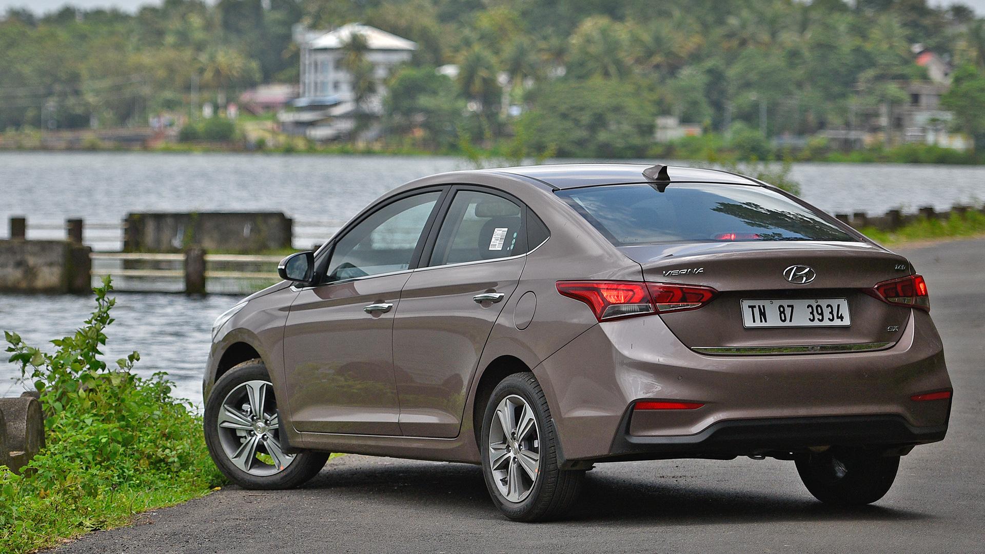 Hyundai Verna 2018 Price Mileage Reviews Specification Gallery