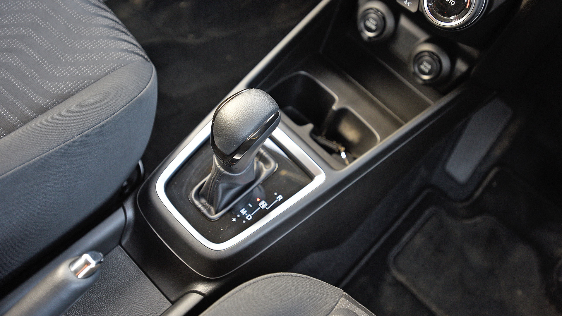 Maruti Suzuki Swift 2018 ZDi+ - Gear unit