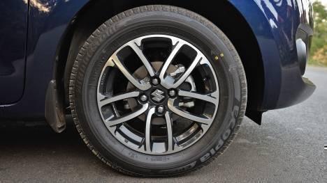 Maruti Suzuki Swift 2018 - Price, Mileage, Reviews, Specification