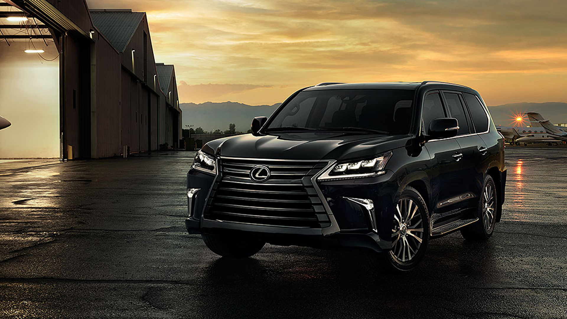 Lexus LX 570 2018 - Price, Mileage, Reviews, Specification ...