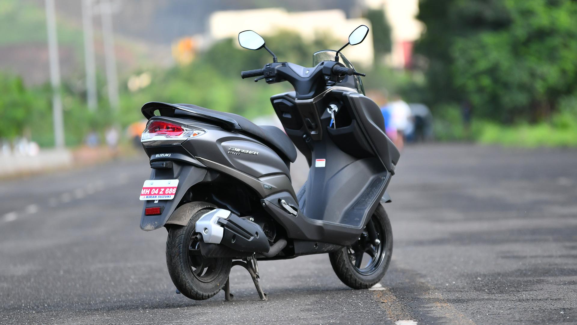 Suzuki Burgman 2018 Street 125 Compare