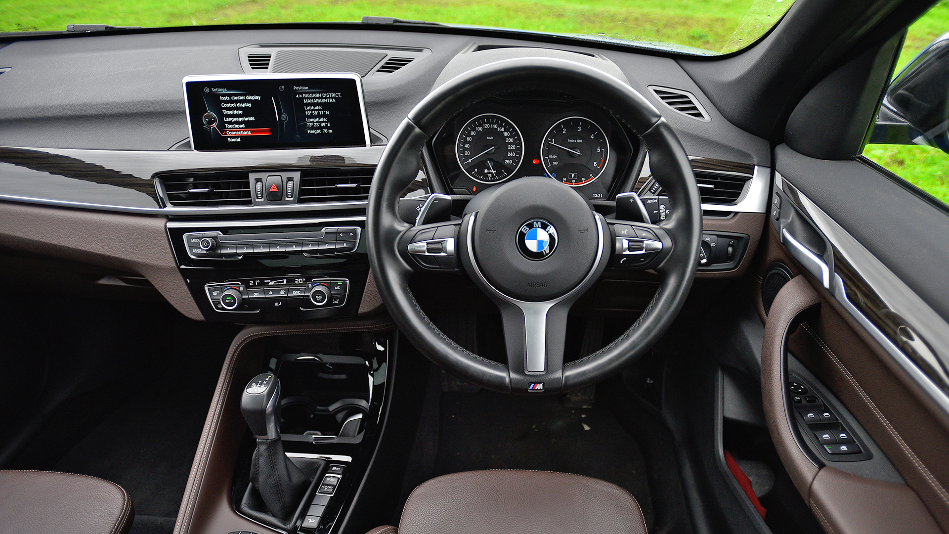 bmw x1 2018 xdrive 20d m sport interior car photos overdrive. Black Bedroom Furniture Sets. Home Design Ideas