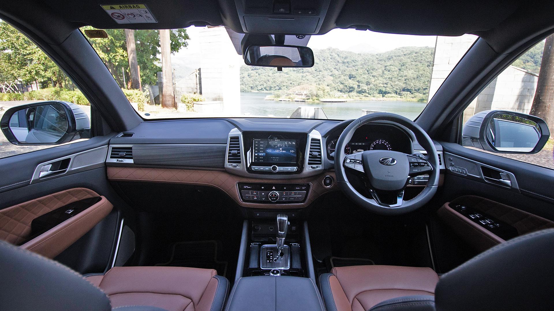 Mahindra Alturas G4 2019 2 2l Std Interior Car Photos Overdrive
