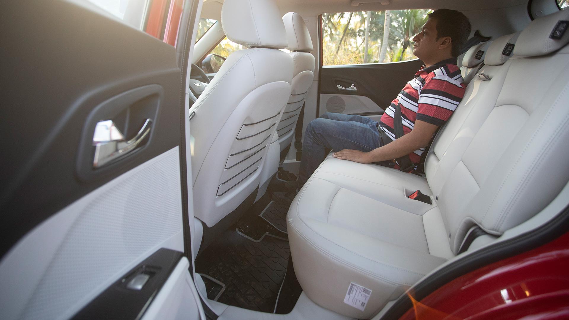 Mahindra XUV300 2019 Petrol W8 Interior