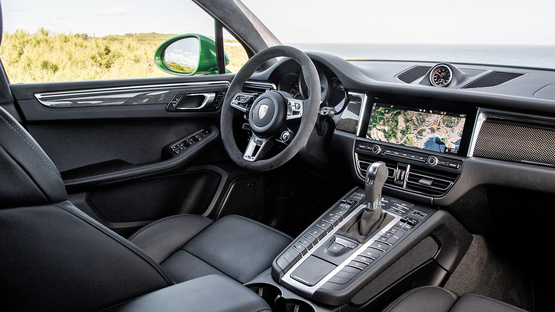 Porsche Macan 2019 Interior Red