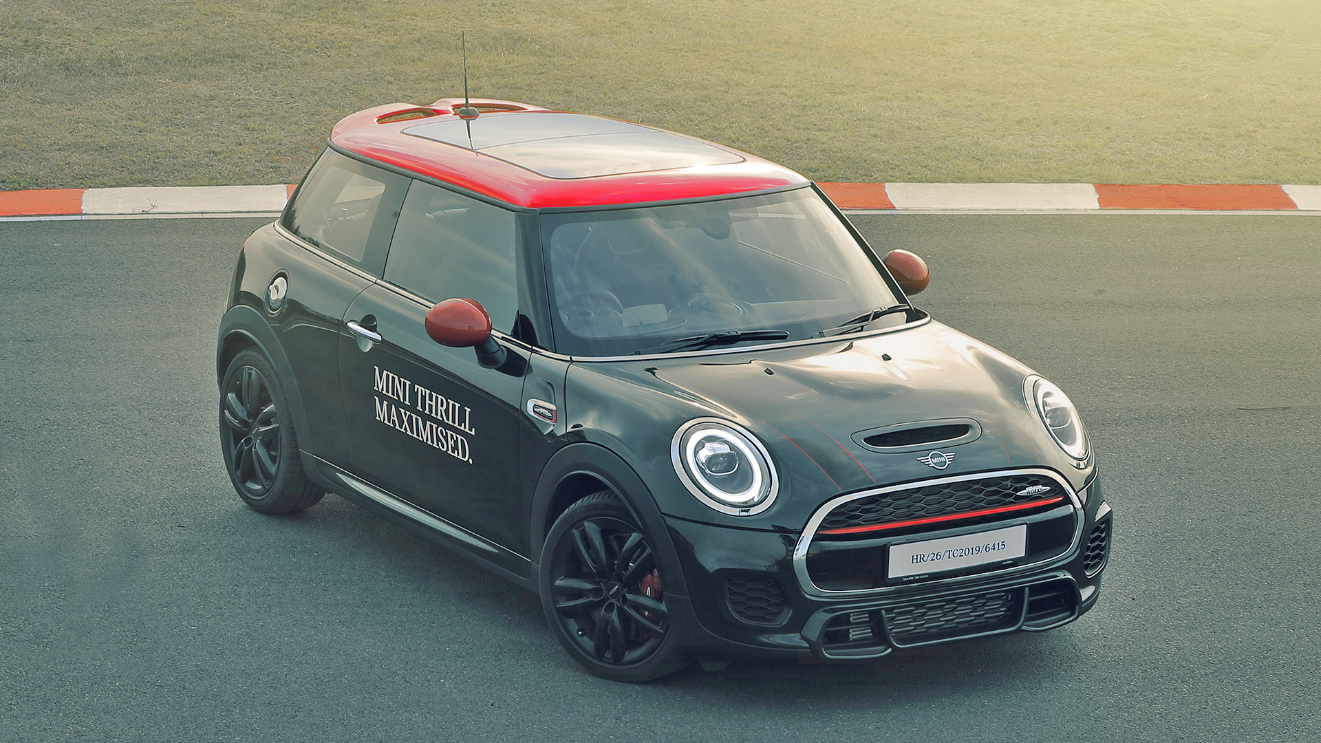 Mini Cooper 2019 Price Mileage Reviews Specification Gallery