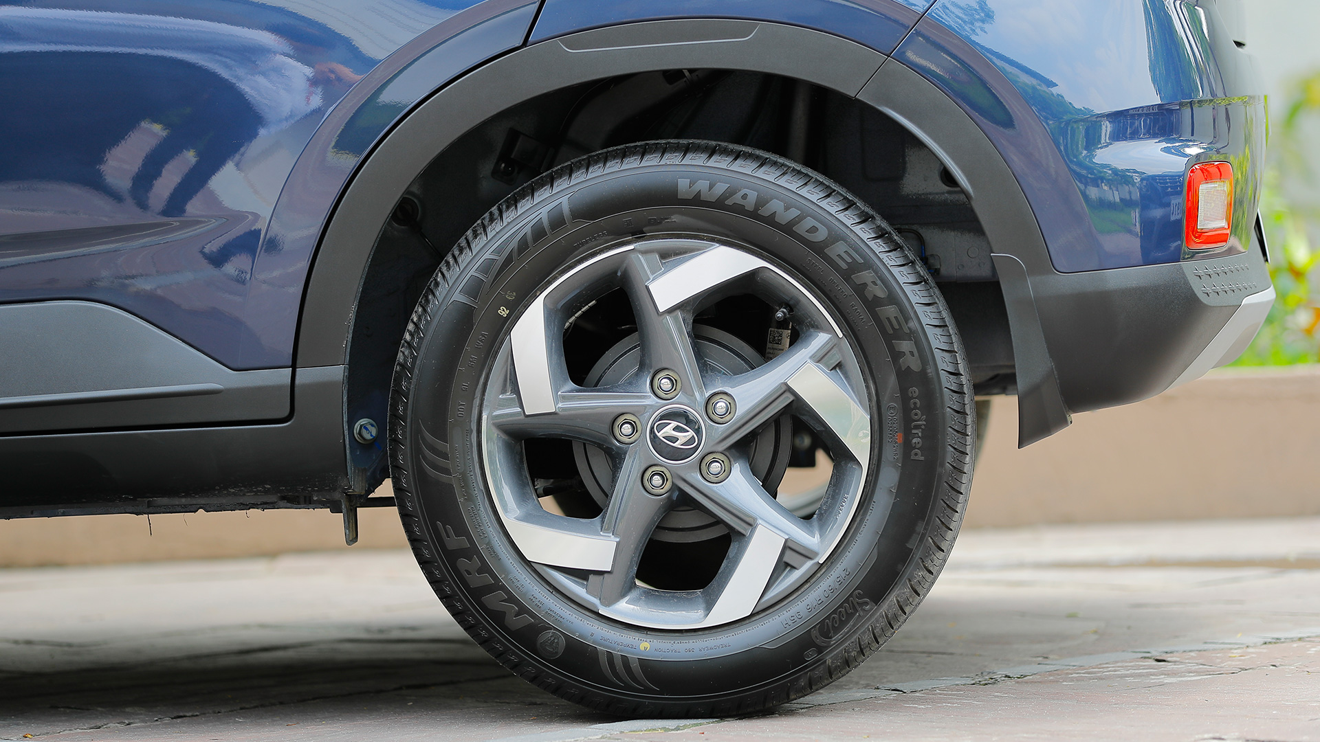 Hyundai Venue 2019 1.4 CRDi MT E Exterior