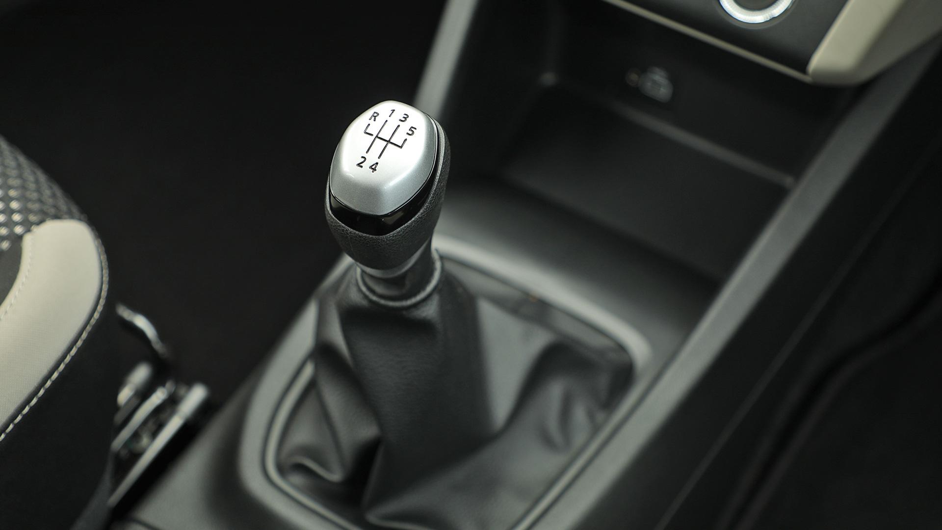 Renault Triber 2019 RXL Interior