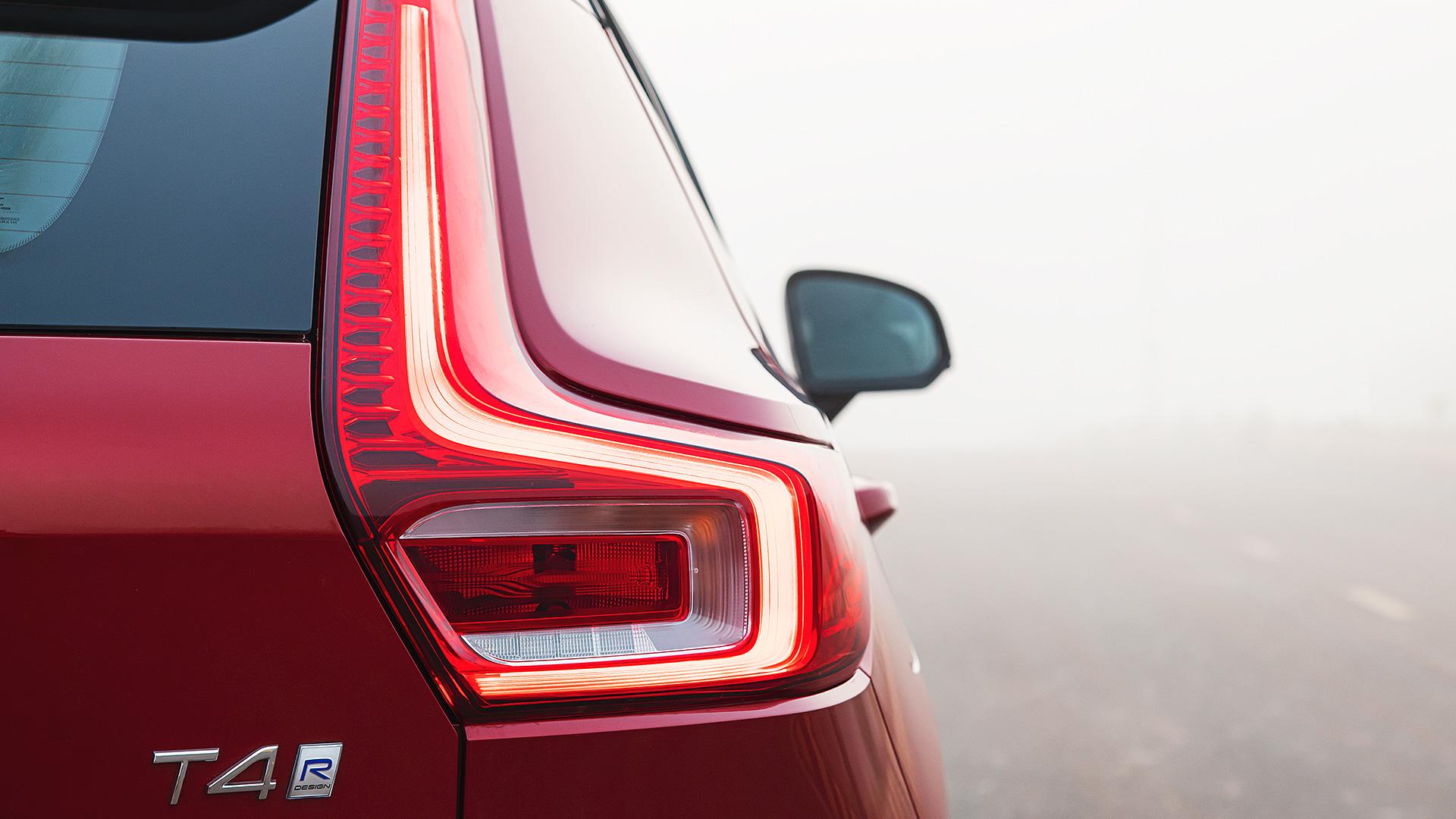 Volvo XC40 2020 T4 R Design Exterior