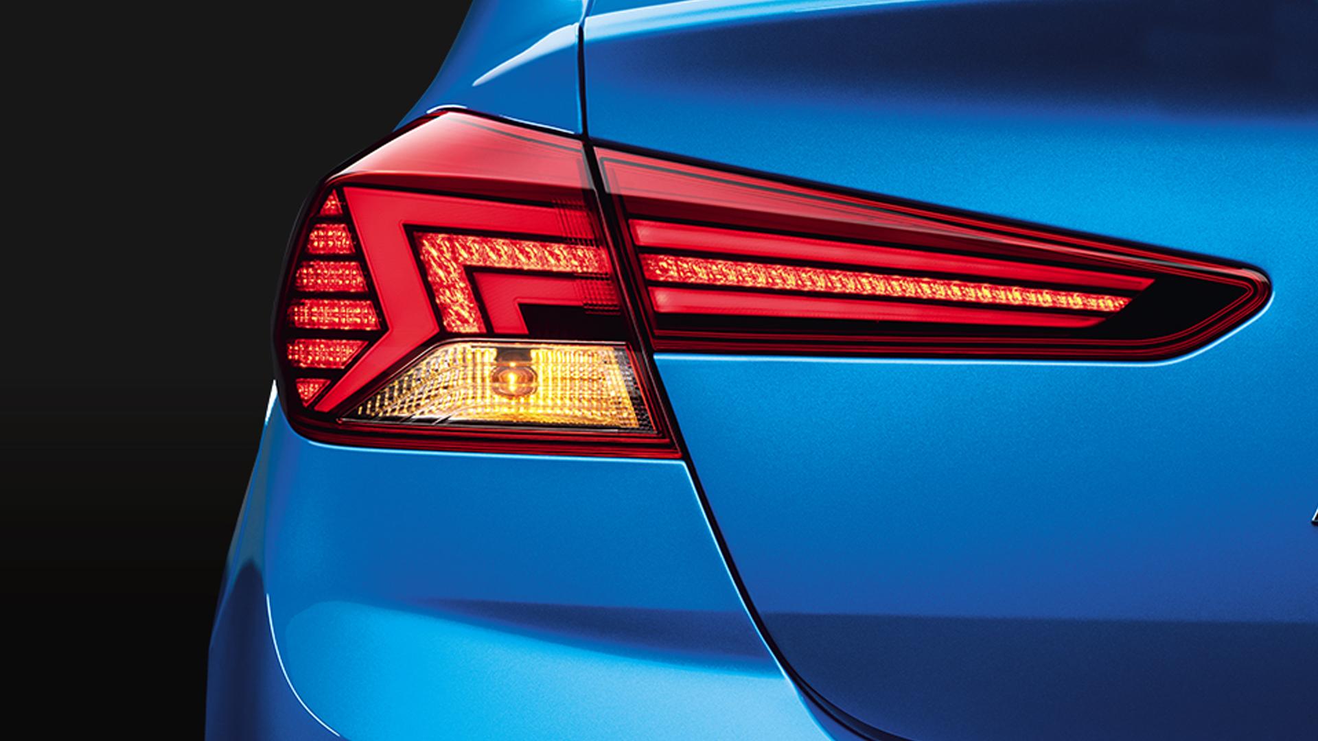 Hyundai Elantra 2020 1.5 Diesel SX Exterior