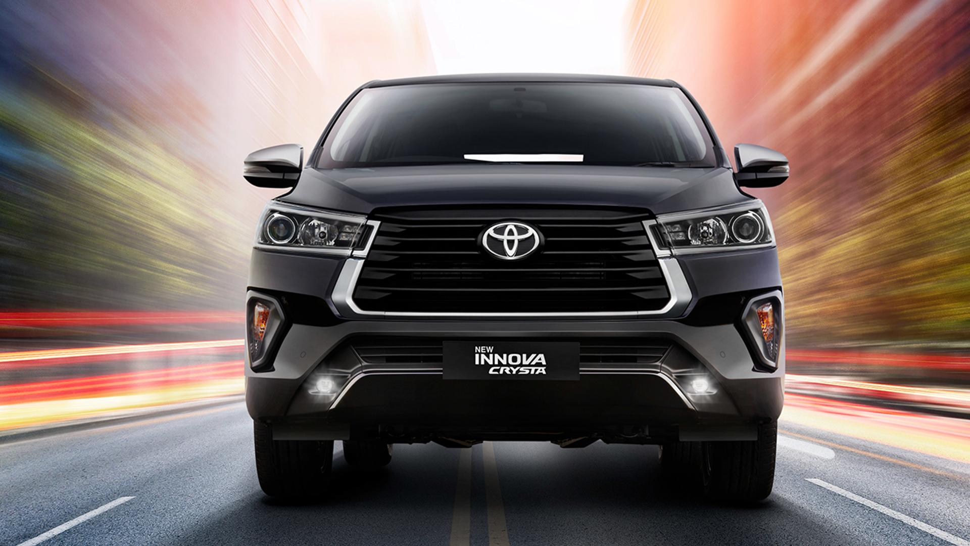 Toyota Innova Crysta 2021 2.4 ZX MT 7 Str Exterior