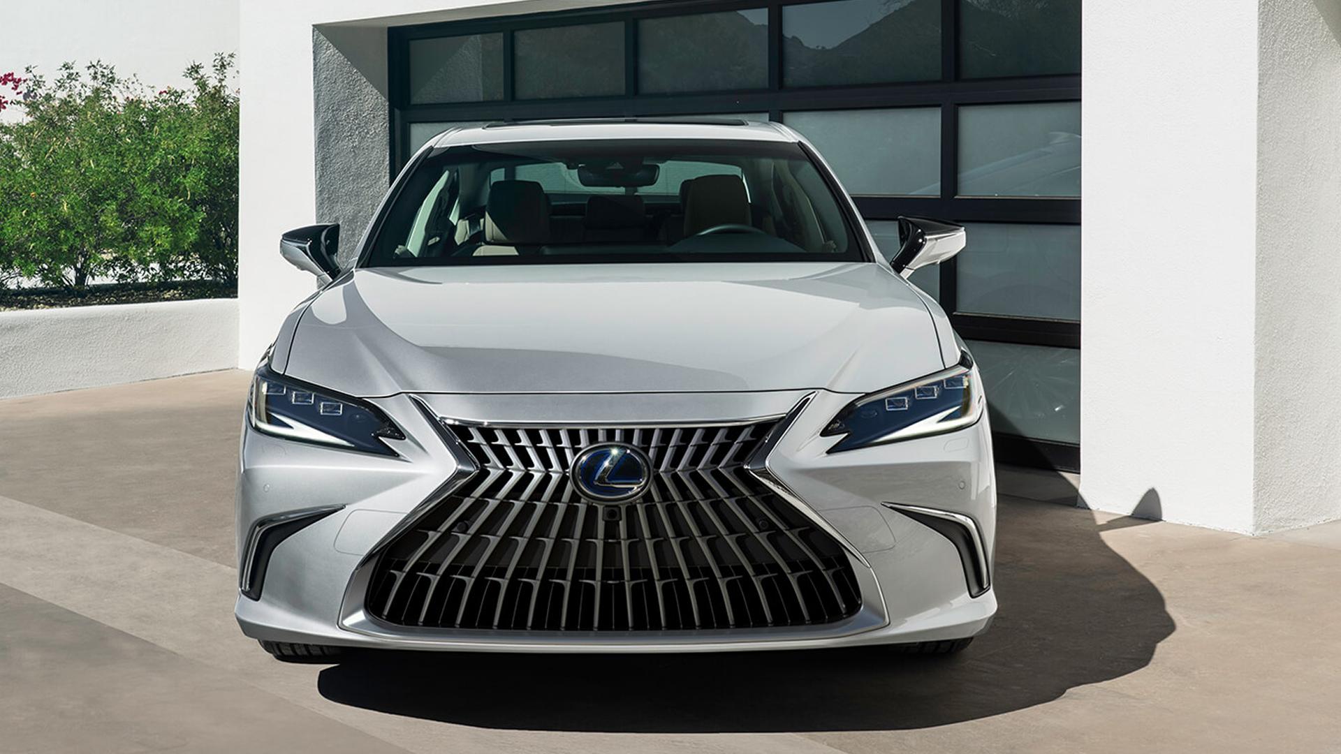 Lexus ES 300h 2021 Luxury Exterior