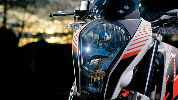 2013 KTM 390 Duke headlamp
