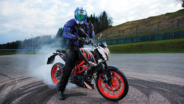 ABS, an absolute necessity on any vehicle is standard on the KTM 390 Duke