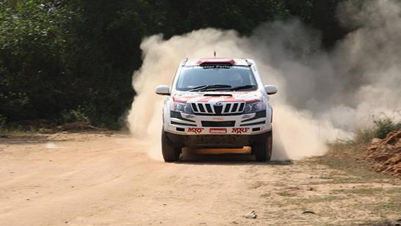 A Mahindra XUV500 at Maharashtra rally