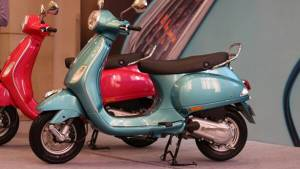 New Vespa VX 125 launched at Rs 71,380 with front disc brake, tubeless tyres