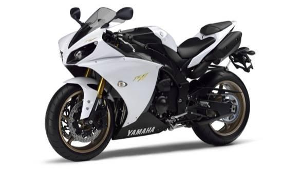 2013 Yamaha R1 in white