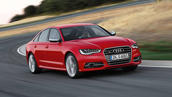 You can very easily overlook the special alloys it comes with or the badge in the grille and the quad exhausts poking out at the rear, but beyond that there is literally nothing that separates the new S6 from the A6