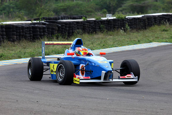 Khushlani and Hataria all the way at the JK Tyre Racing Championship