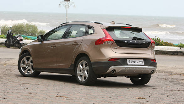 Vertically stacked tail lamps is a Volvo signature and the V40 retains it in the form of an angular tail lamp