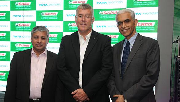 L-R: Ravi Pisharody, Karl Slym and Ravi Kirpalani at the launch of the Castrol RX Super Max Fuel Saver