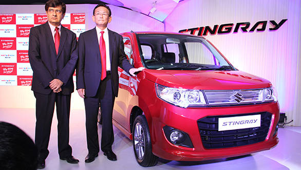 Mayank Pareek, COO Marketing & Sales and Mr. Kenichi Ayukawa, MD & CEO, Maruti Suzuki India Limited unveil the stylish Stingray