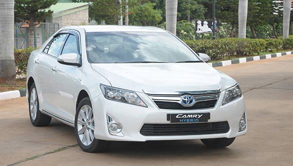 Toyota-Camry-hybrid-1