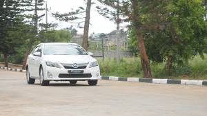 2013 Toyota Camry Hybrid India first drive